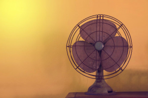 Ventilátor vs. klíma. Čo uprednostniť pri horúcich dňoch?